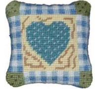 Gingham Heart Tapestry - Printed