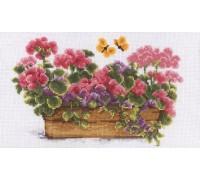 Window Box in Bloom - 2002\70.039
